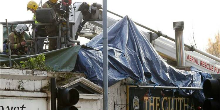 Un hélicoptère chute sur un pub à Glasgow
