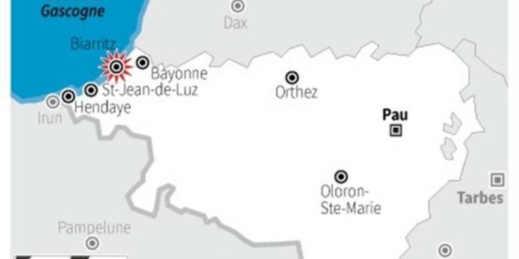 Une femme emportée par une vague à Biarritz