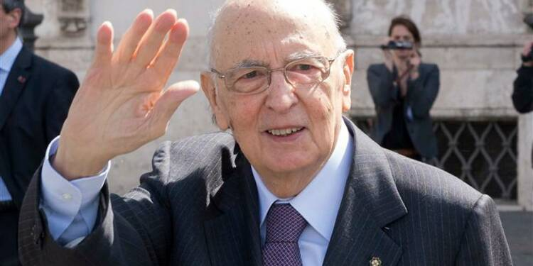 Le président italien Giorgio Napolitano accepte de rester