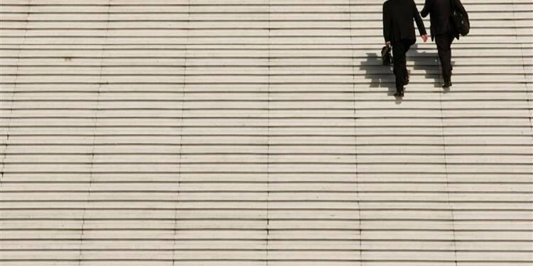 Hausse des embauches en février en France