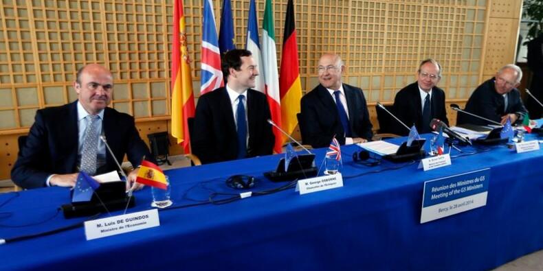 La Suisse peut avancer plus vite sur la fraude fiscale, dit Sapin