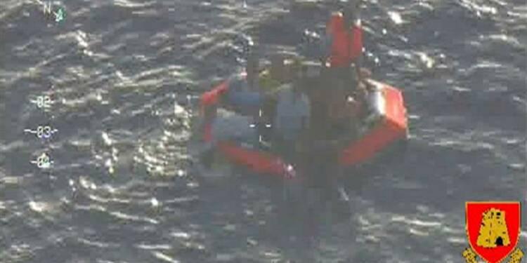 Nouveau naufrage au large de la Sicile, 200 migrants à la mer