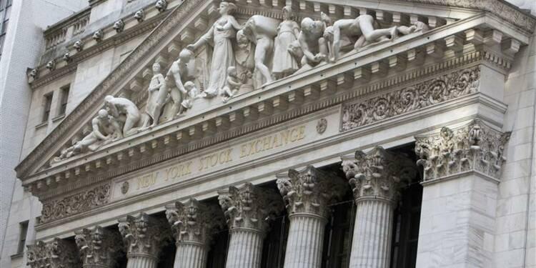 Wall Street ouvre en baisse, Boeing chute