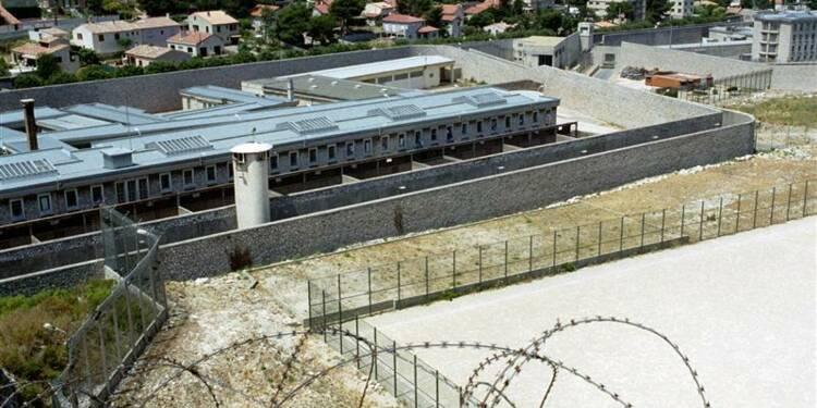 Les agents pénitentiaires manifestent à Marseille