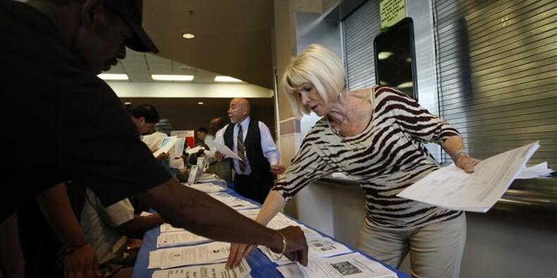 Recul plus marqué que prévu des inscriptions au chômage aux Etats-Unis
