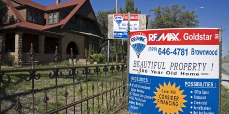 Les reventes de logements américains bondissent grâce aux saisies immobilières