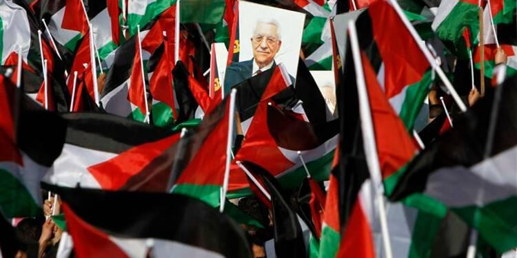 Mahmoud Abbas accueilli par une foule en liesse à Ramallah