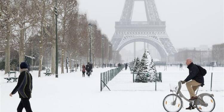 Vigilance en France à cause de la neige, vols perturbés