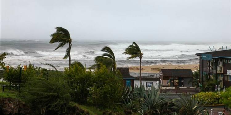 Alerte maximale à La Réunion à l'approche de Dumile