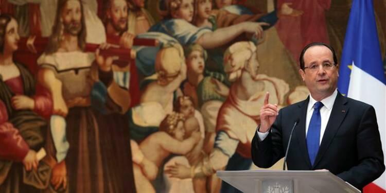 Hollande promet de préserver les services publics dans la Map
