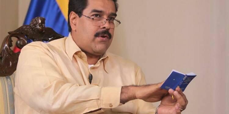 Le report de l'investiture d'Hugo Chavez envisagé au Venezuela