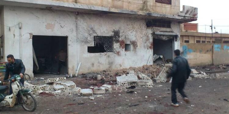 Une boulangerie bombardée en Syrie, des dizaines de morts