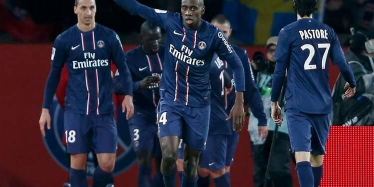 Ligue 1: le PSG bat Lyon et prend la tête