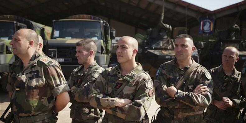 Combats en cours au Mali, où 1.400 soldats français sont engagés