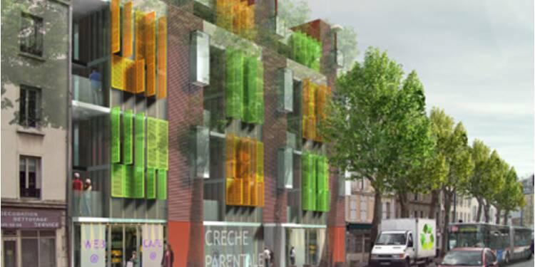 L'habitat écologique de demain : appartements modulables, façades solaires et... baignoires publiques sur les toits