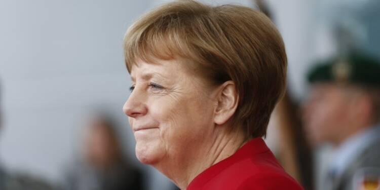 Merkel dit vouloir une coopération étroite avec Macron
