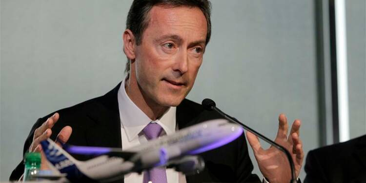 Airbus vise 700 commandes et plus de 600 livraisons en 2013