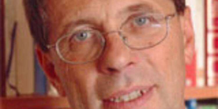 """P.Chalmin :""""La chute du pétrole remet en cause l'apparente prospérité des pays producteurs"""""""