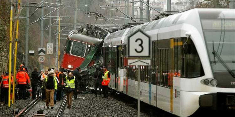 Dix-sept blessés dans la collision de deux trains en Suisse