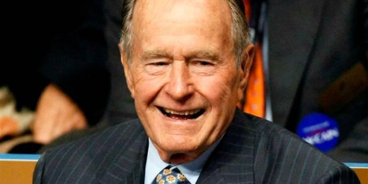 L'ex-président George Bush père hospitalisé en soins intensifs