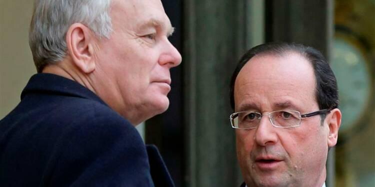 """Le """"chef d'équipe"""" Ayrault prend la pose social-démocrate"""