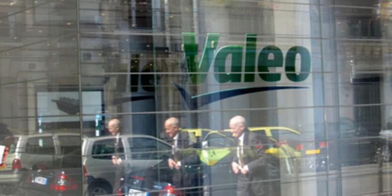 Valeo n'exclurait pas une cession ou une sortie de la cote, le titre bondit