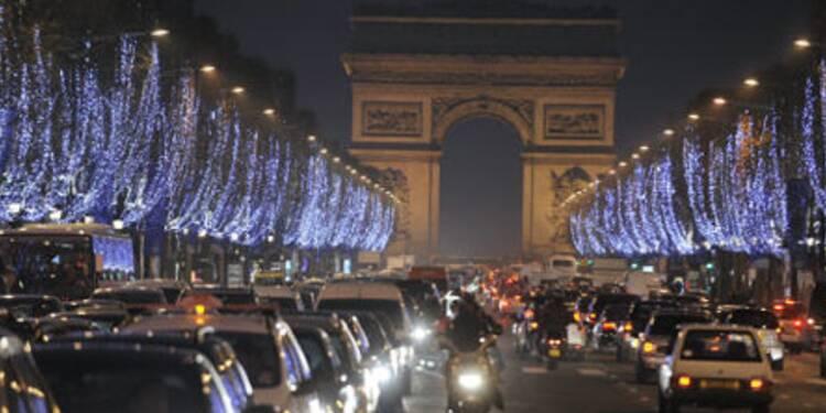 L'avenue des Champs-Elysées, artère commerçante la plus huppée d'Europe