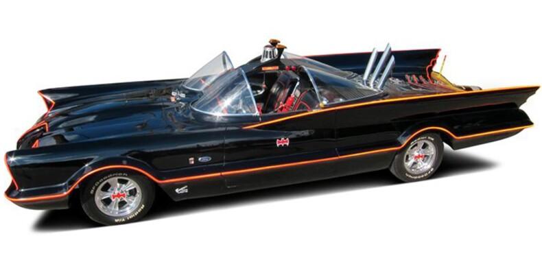 """La """"Batmobile"""" des années 60 vendue 3,5 millions d'euros aux enchères"""