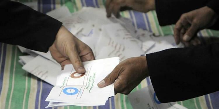"""La faible avance du """"oui"""" encourage l'opposition égyptienne"""