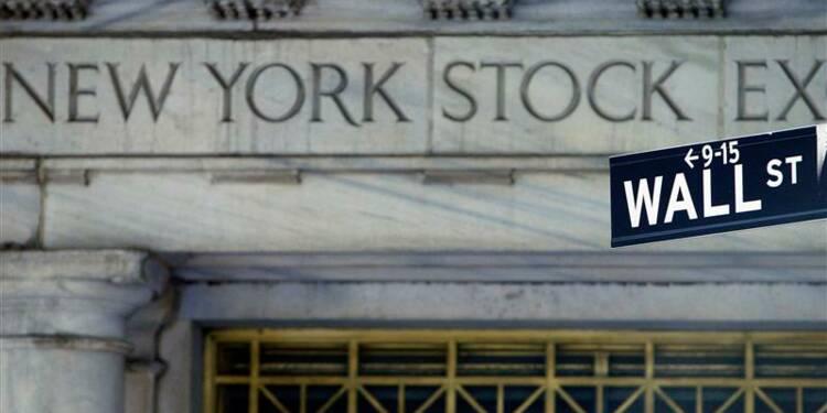 """Wall Street ouvre en baisse préoccupée par le """"mur budgétaire"""""""