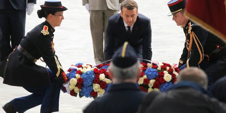 Macron auprès des soldats blessés à l'hôpital Percy