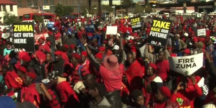 Manifestation devant la Cour Constitutionnelle sud-africaine
