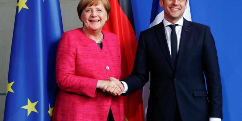 Emmanuel Macron et Angela Merkel prêts à modifier les traités européens
