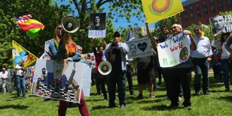 USA: Des manifestants anti-Erdogan devant la Maison-Blanche