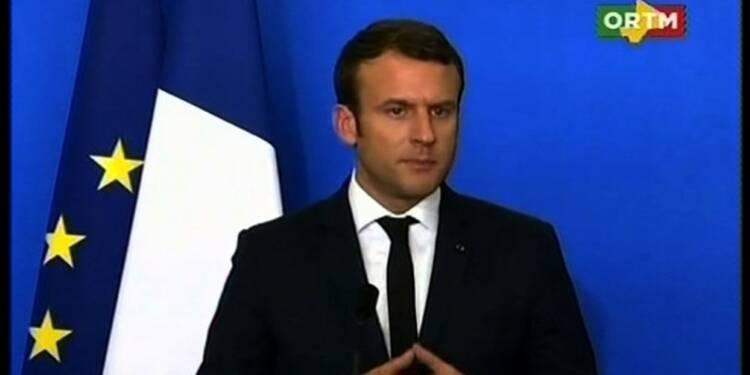 Au Mali, Macron se pose en chef des armées déterminé