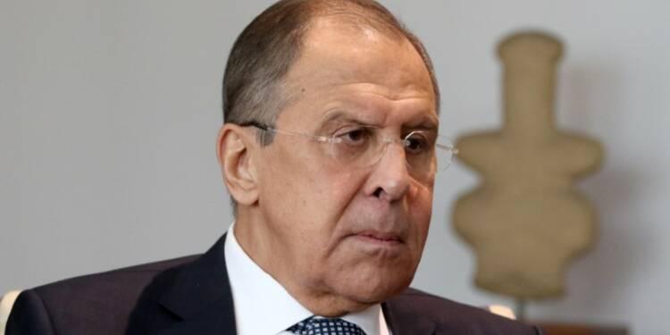 Lavrov dit ne pas avoir discuté de Comey avec Trump, rapporte Interfax