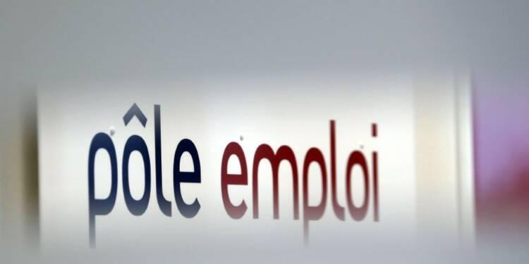 Stabilité des déclarations d'embauche en France en avril