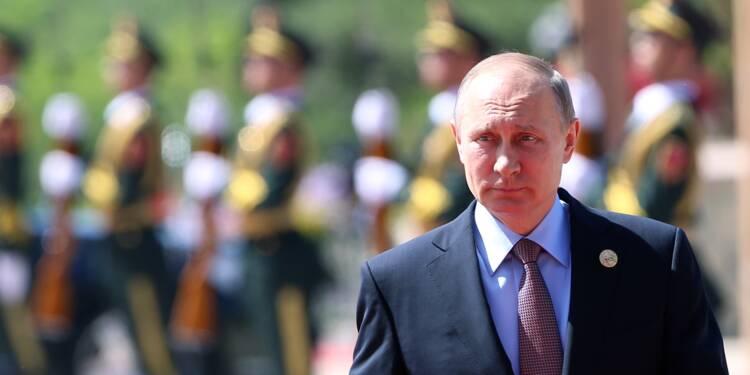 Poutine reçu par Macron à Versailles : la justification du gouvernement