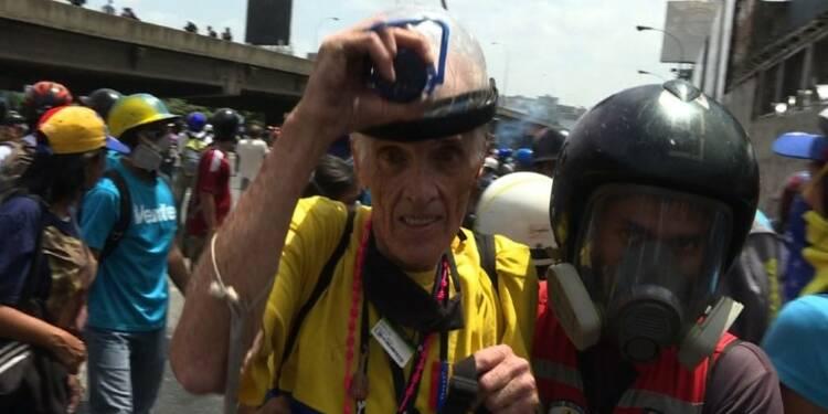 Gaz lacrymogènes au Venezuela pour freiner les manifestants
