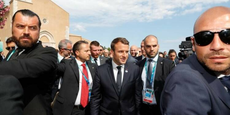 Macron dit vouloir évoquer l'Ukraine et la Syrie avec Poutine lundi