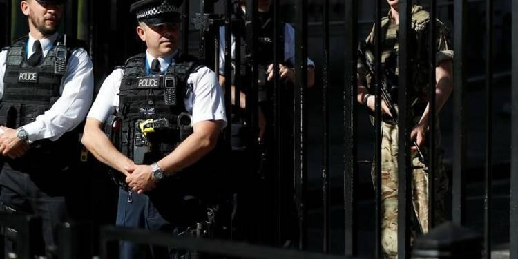 Abaissement du niveau d'alerte terroriste en Grande-Bretagne