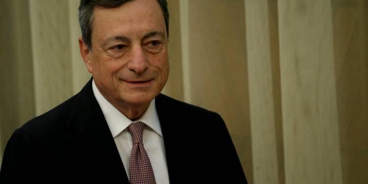 La situation s'améliore, la BCE en discutera en juin, dit Draghi