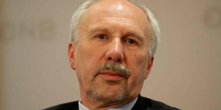Nowotny déclare que les salaires augmenteront dans la zone euro, avec retard