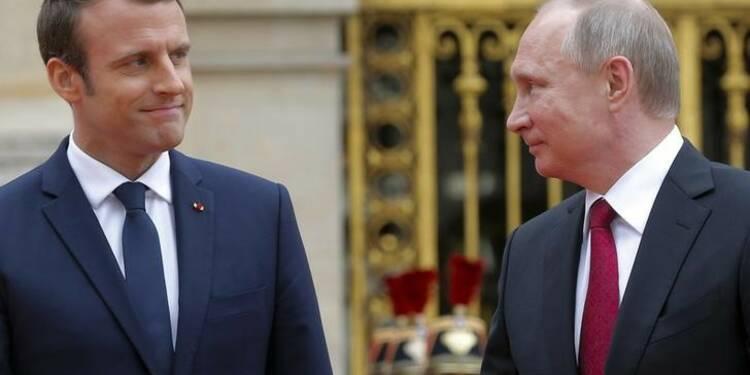 Macron accuse Sputnik et RT d'agir en agents de propagande
