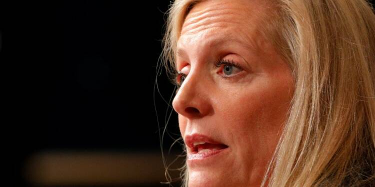Brainard (Fed) attend des hausses de taux mais surveille l'inflation