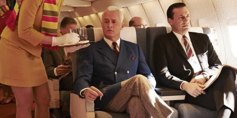 Air France, easyJet, Ryanair… À bord de quelle compagnie peut-on boire de l'alcool pour pas cher ?