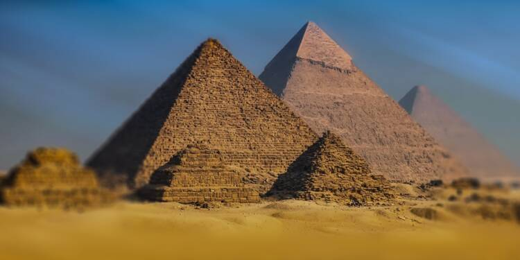 Partez pour les fêtes en Egypte : sa monnaie a perdu 50% en un mois !