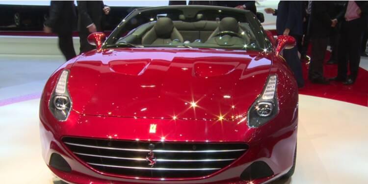 Les automobiles de luxe paradent au salon de Genève