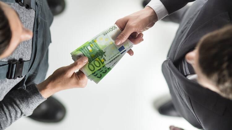 La France qui paie au black