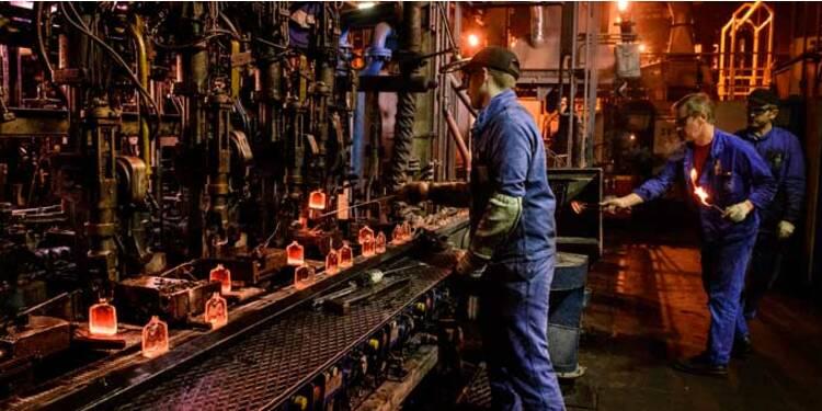 Au coeur de la plus grande usine au monde de flacons de parfums